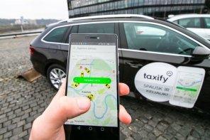 В Taxify рассказали, сколько их водители заработали за новогоднюю ночь