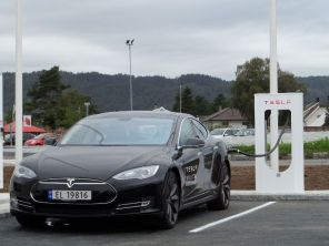 Теперь официально: Tesla получила разрешение на продажу электромобилей в Европе