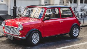 Легендарный Mini 1959 года выпустят в виде электромобиля ограниченной серией