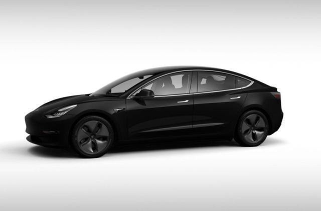 Что нужно знать о комплектациях самой дешевой Tesla Model 3 перед покупкой