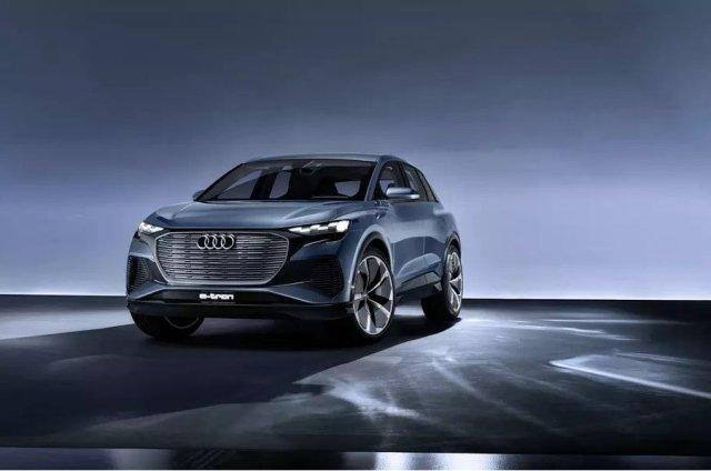 Предсерийный электрокроссовер Audi Q4 e-tron впервые показали живьем