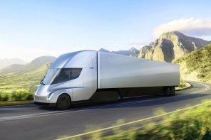 Электрогрузовики Tesla Semi могут поступить в продажу раньше Model Y