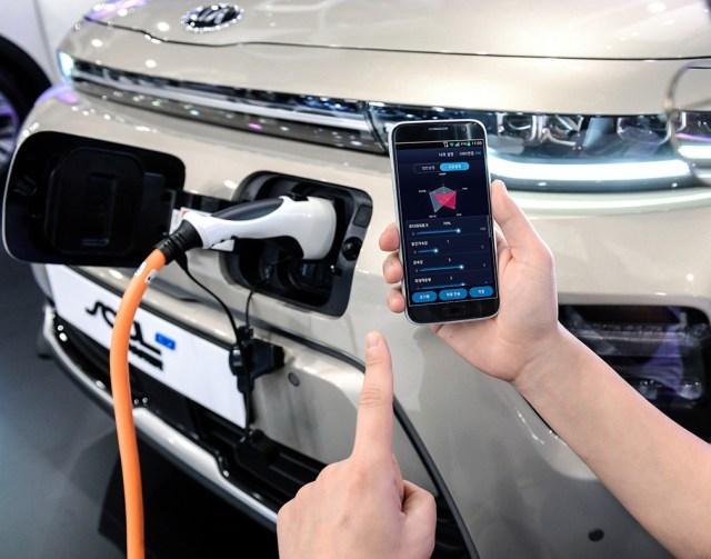 Электромобилями Hyundai можно будет управлять со смартфона