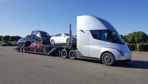 Производство электрогрузовиков Tesla Semi откладывается: в компании назвали новые сроки