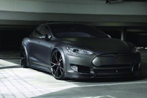 Tesla пришлось урезать свой автопилот для продаж в Европе
