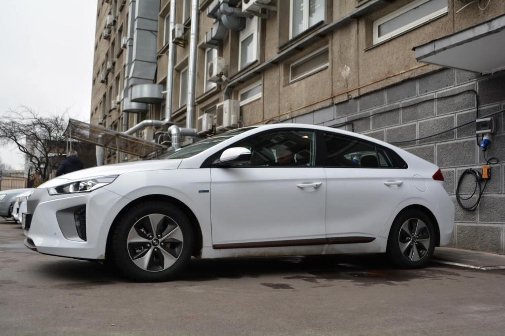 Jaguar i-Pace попал в ТОП-5 самых продаваемых электромобилей в Украине: статистика за апрель
