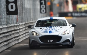 4 секунды до сотни: электрический Aston Martin Rapide E впервые вышел на гоночный трек