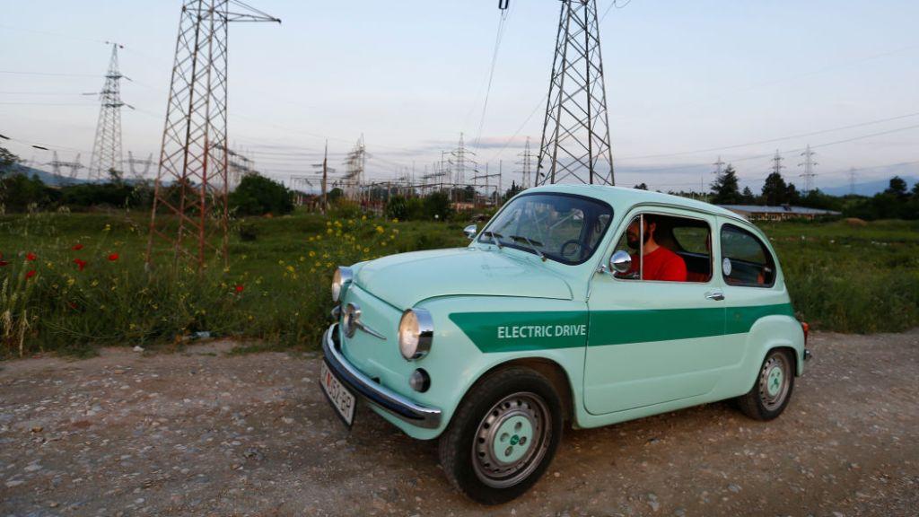 Zastava 750: как в Северной Македонии переделывают ретро авто в электромобили