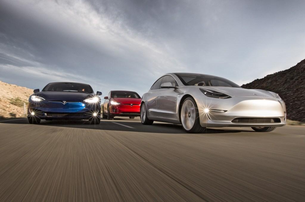 Tesla подружит свои электромобили с зарядками стандарта CHAdeMO: готова новая прошивка