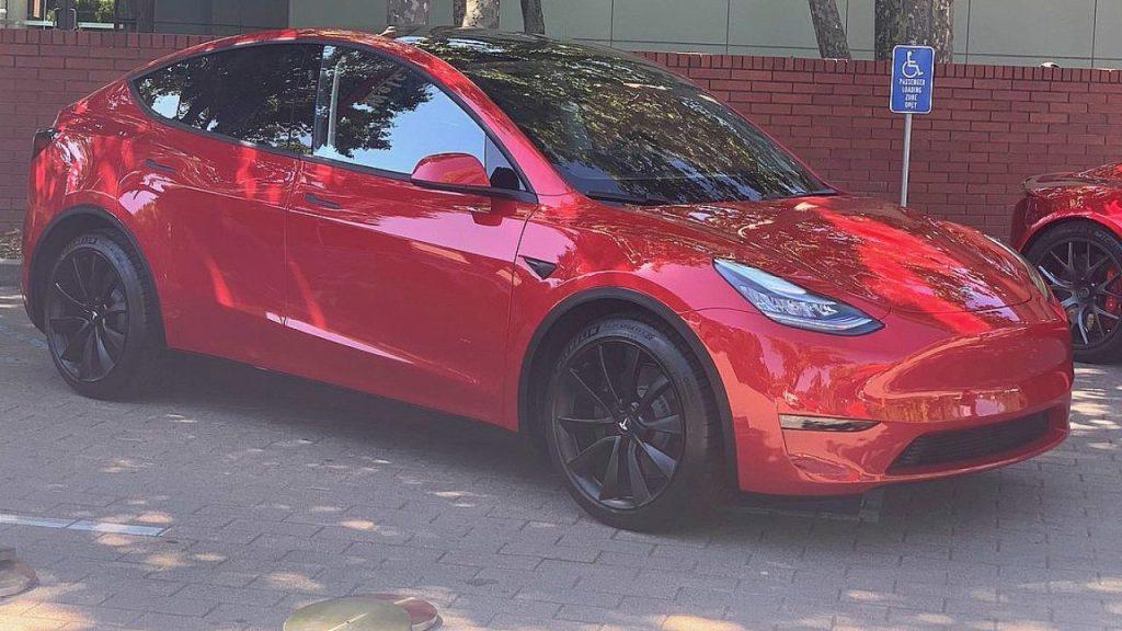 Первая Tesla Model Y сойдет с конвейера во Фримонте осенью 2020 года