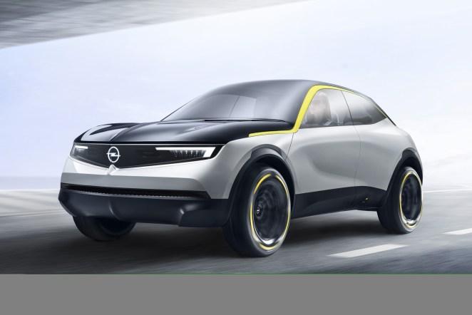 """Opel змінює логотип та фірмовий колір, щоб бути """"ближче"""" до електромобілів"""