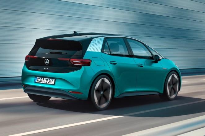 Volkswagen розпочне офіційний продаж електромобілів в Україні: що відомо