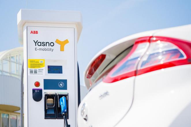 За 20 хвилин на 80%: у Харкові з'явились перші швидкісні зарядні станції YASNO E-mobility