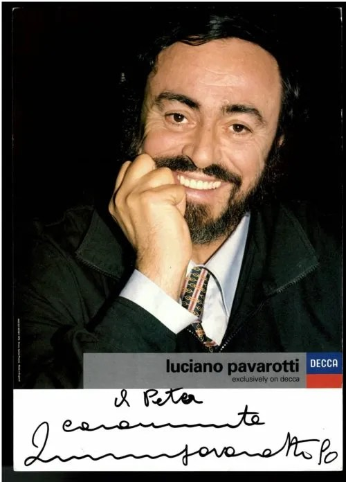 Luciano Pavarotti Autograph promo 90 – Music Autographs