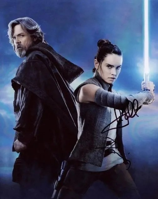 Mark Hamill and Daisy Ridley Autograph Star Wars photo The Last Jedi