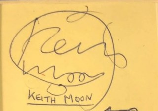 The Who autographs Keith Moon