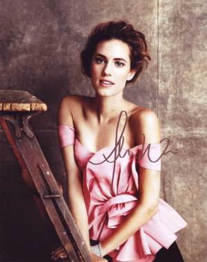 Allison Williams in-person autographed photo