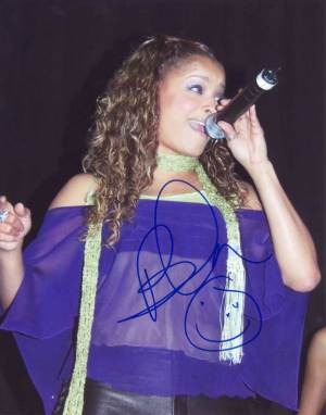 Blu Cantrell in-person autographed photo