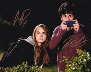 Paper Towns In-person autographed Cast Photo