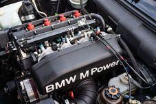 P90236417_lowRes_the-bmw-m3-evo-e30-0