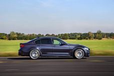 P90236758_lowRes_the-new-bmw-m3-30-ye