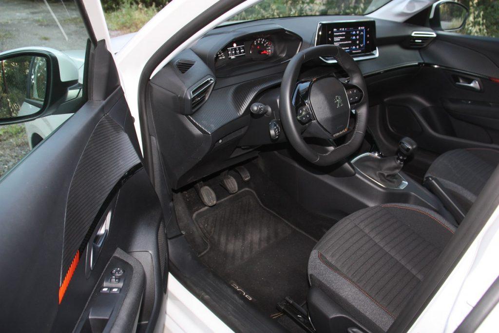 Peugeot 208 1.5 BlueHDI 100 PS autoholix 024