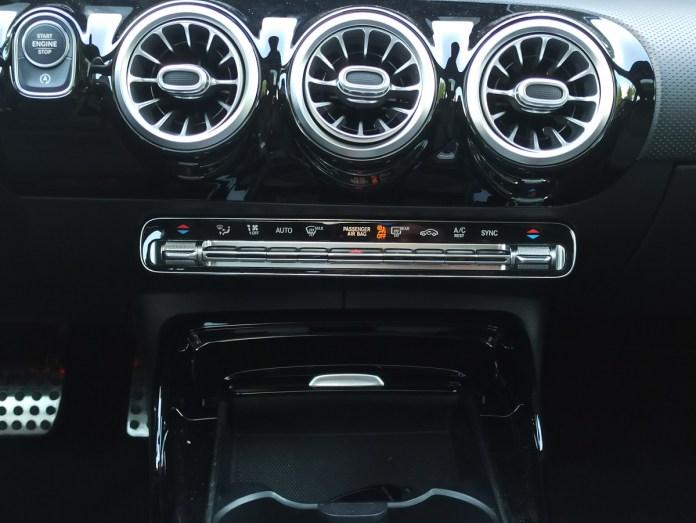 Mercedes AMG A35 sedan 4MATIC 306PS autoholix 2020 024