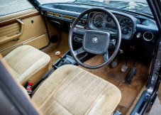 1977-brown-bmw-si-3.jpganchorcentermodecropwidth1000