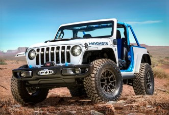 Jeep Wrangler Magneto concept is a fully capable BEV that