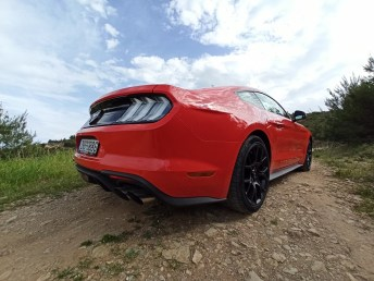 Ford Mustang 2.3 ECOBOOST 042
