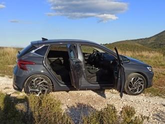 Hyundai i20 1.0 100ps autoholix 06