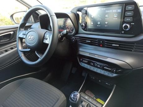 Hyundai i20 1.0 100ps autoholix 16