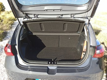 Hyundai i20 1.0 100ps autoholix 40