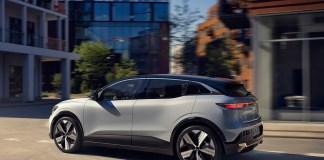 Renault Megane E-TECH Electric - Urban (1)_low