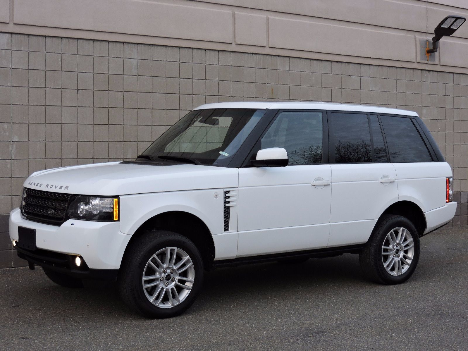 Used 2012 Land Rover Range Rover HSE at Auto House USA Saugus