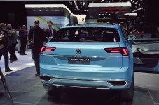 VW Cross Coupe GTE 18 NAIAS 2015