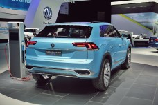 VW Cross Coupe GTE 28 NAIAS 2015