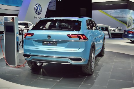 VW Cross Coupe GTE 31 NAIAS 2015