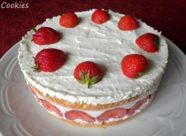 Kleine Erdbeer  Kse  Torte   Rezept  kochbarde