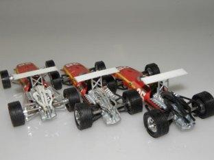 Dinky Toys Ferrari F 1 et leurs boïtes