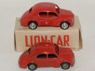 Lion-Car Renault 4 CV nuances de couleur et de jantes