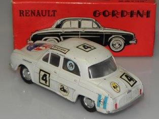Renault Dauphine Gordini (décalque Ika sur la capot avant)