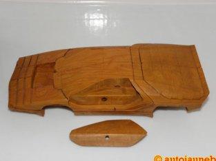 Ébauche en bois de l'Alfa Romeo Carabo de chez Bertone