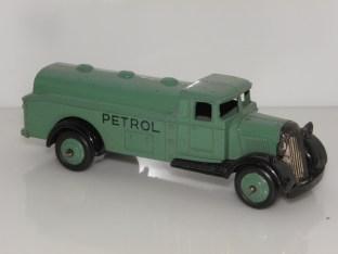 Dinky Toys 25 D vert pâle avec jantes identiques