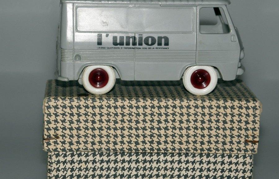 "Bourbon Peugeot J7 fourgon ""L'Union"" …"
