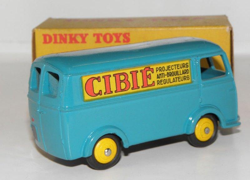 Peugeot D3A Cibié: le plus enviable des Dinky Toys?