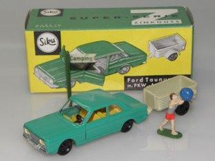 Siku Ford 12M et sa remorque