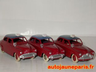 trois variantes de Simca Aronde taxi (jantes et calandres)