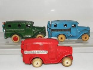 Savoye et Tommy Toys fourgon police