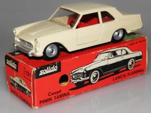 Solido Lancia Flaminia avec phares strass et jantes moulées